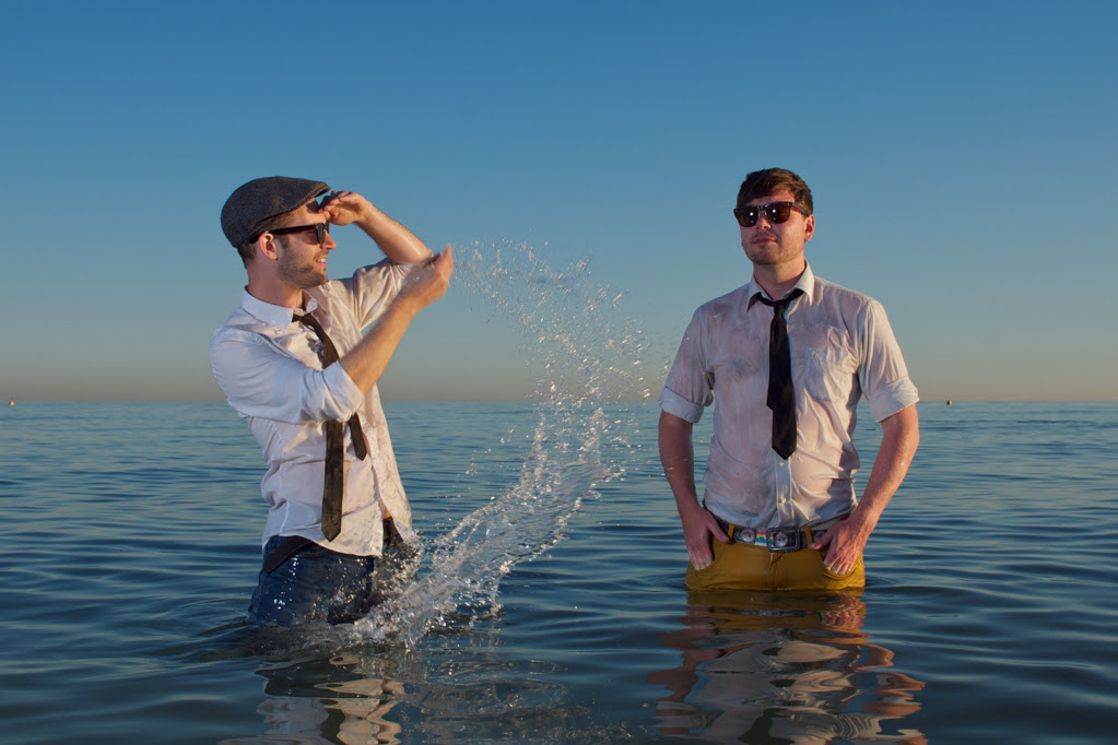 Track Of The Day #515: AK /DK – Maxwell's Waves