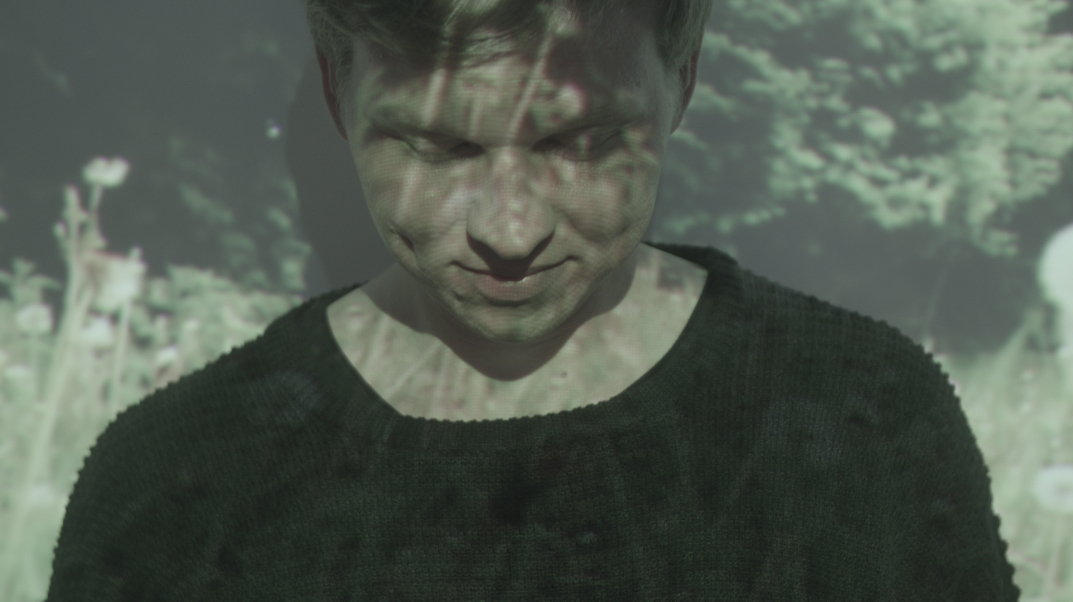 "VIDEO PREMIERE: Rosenthal – ""Heart"""