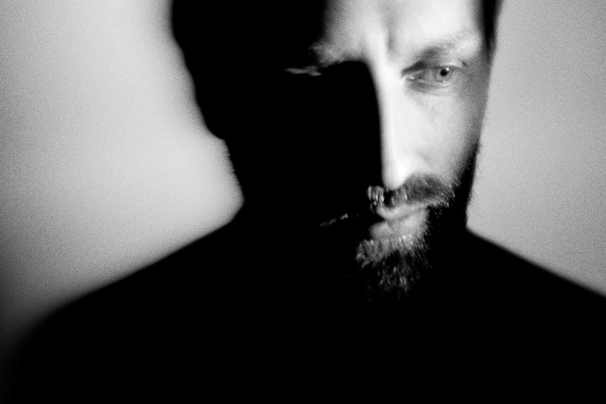 PREMIERE: Leo Abrahams – Halo Effect (Emre Remix)