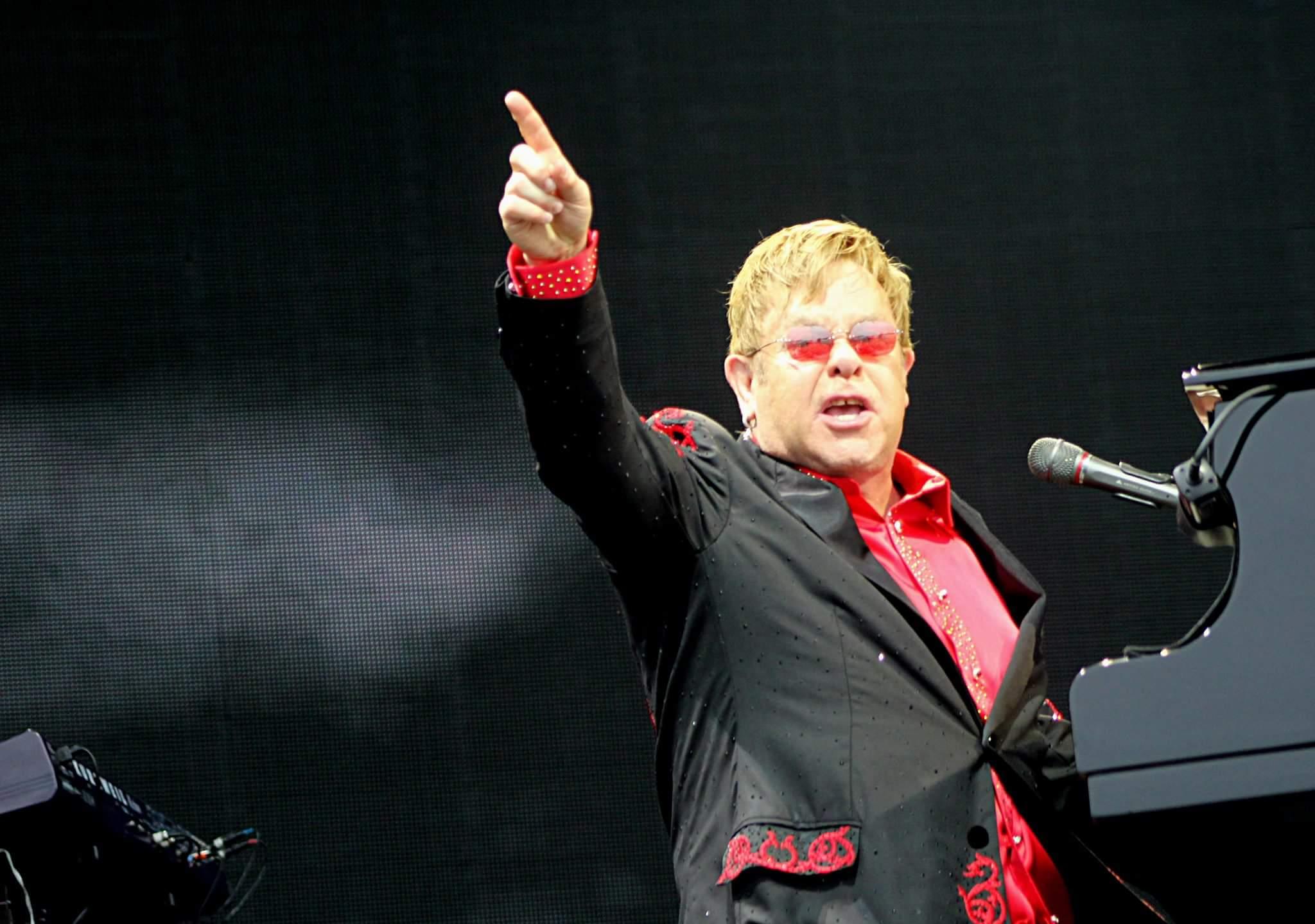 Elton John – Grace Road, Leicester County Cricket Ground, 11/06/16