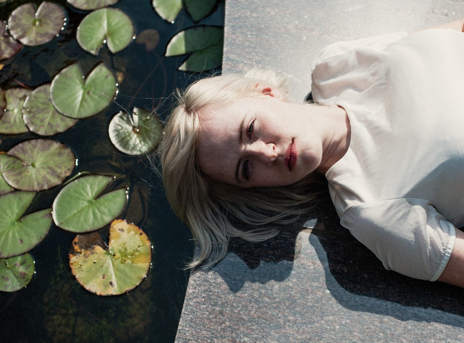 NEWS: Amber Arcades shares video for 'Turning Light'