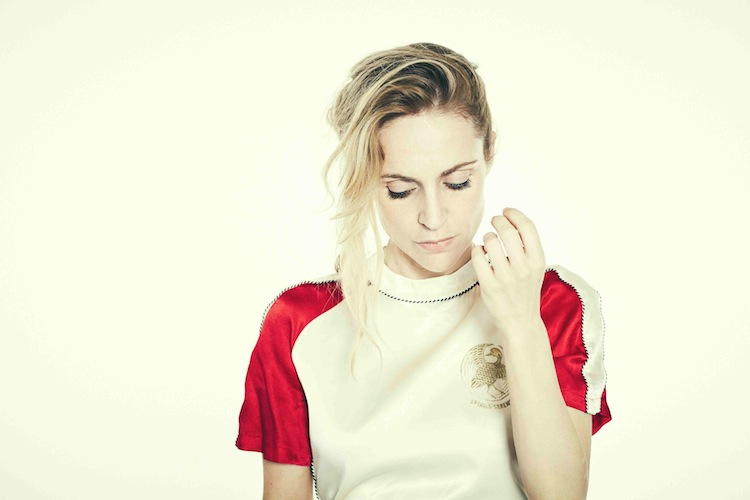 NEWS: Agnes Obel shares new single 'Golden Green'