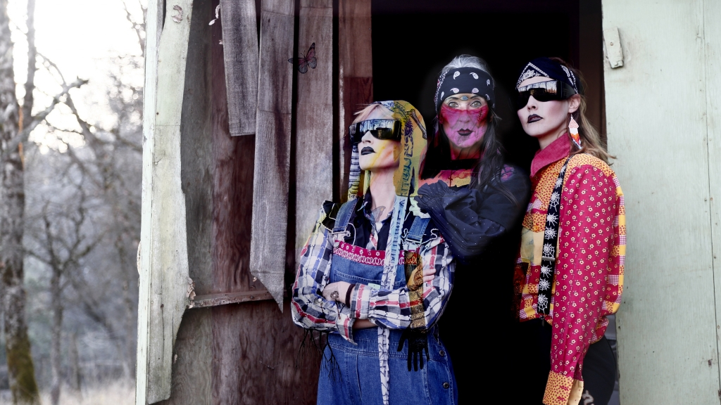NEWS: CocoRosie and ANOHNI release new protest single 'Smoke 'Em Out'