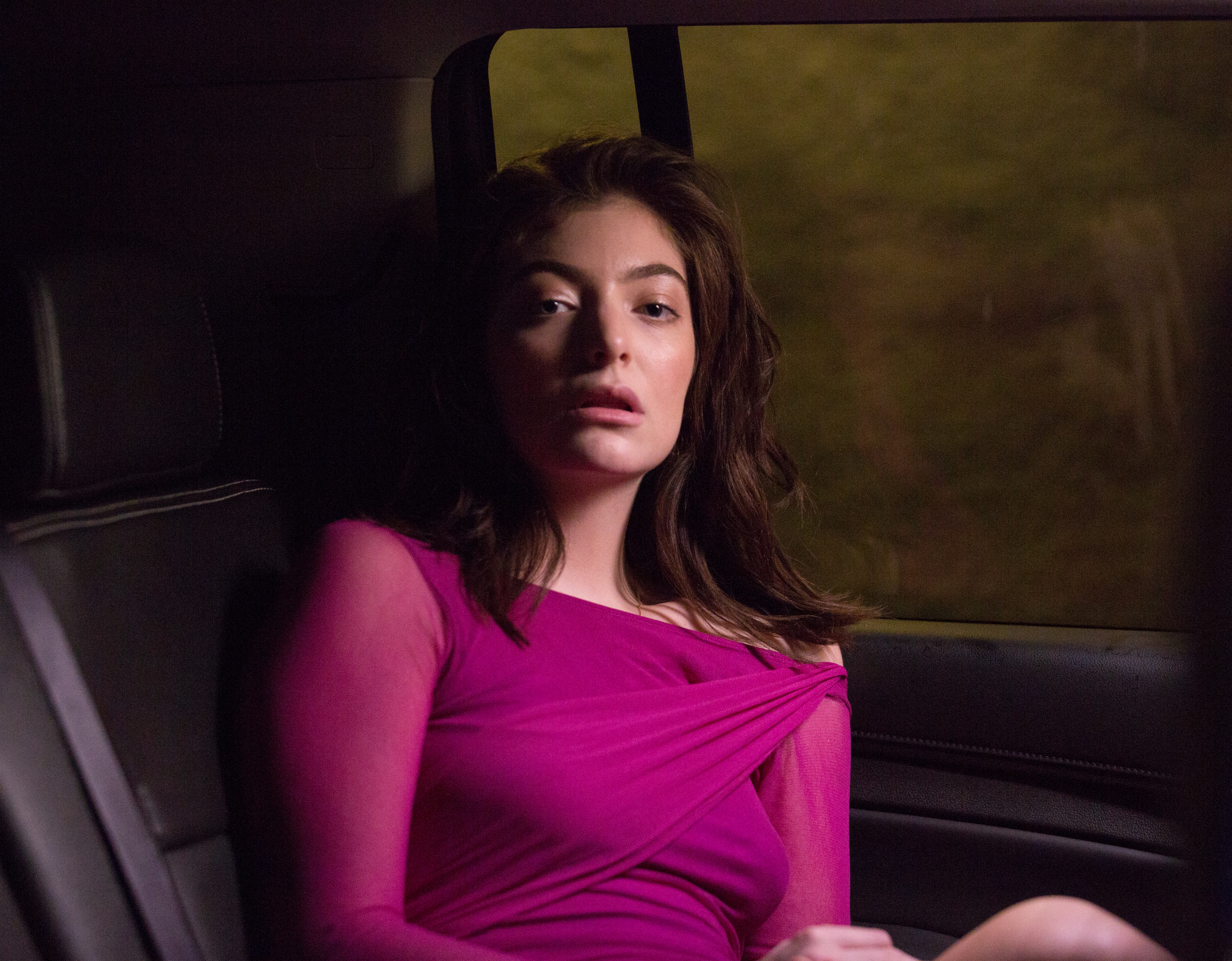 """NEWS: Lorde shares new visual for """"Perfect Places"""""""