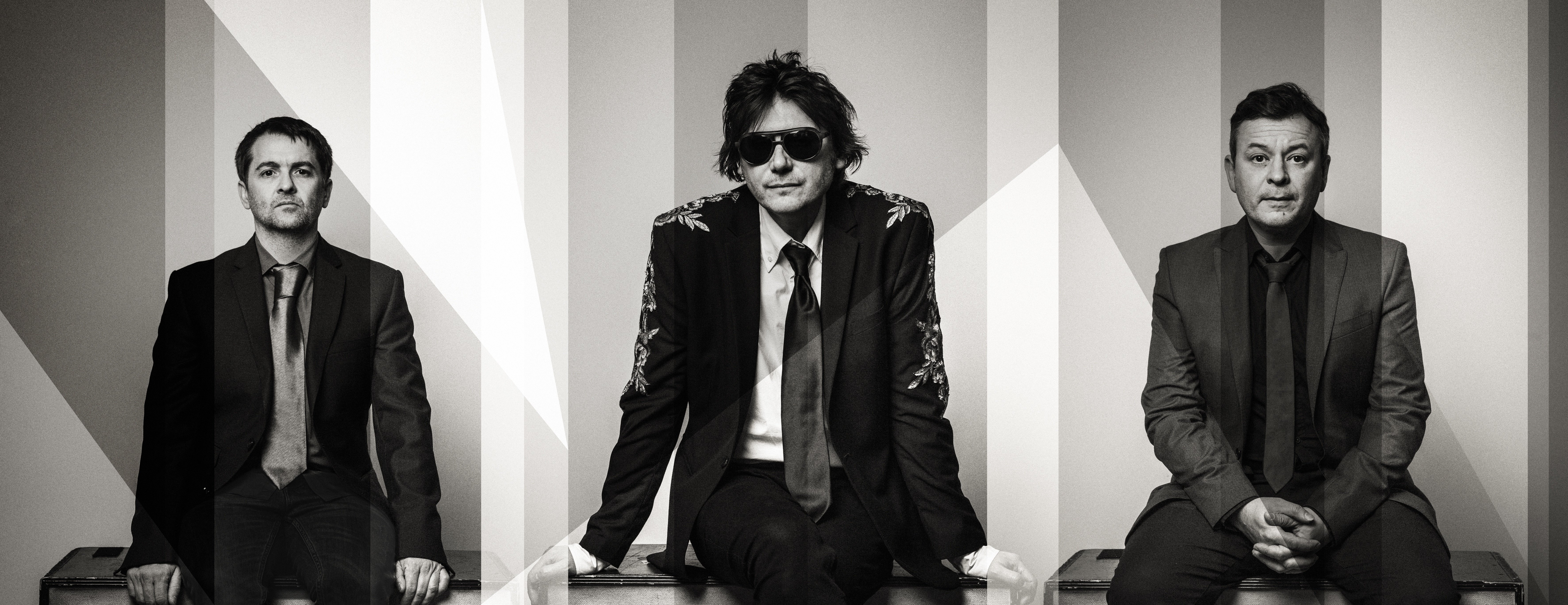 NEWS: Manics release album track 'Dylan and Caitlin' feat The Anchoress