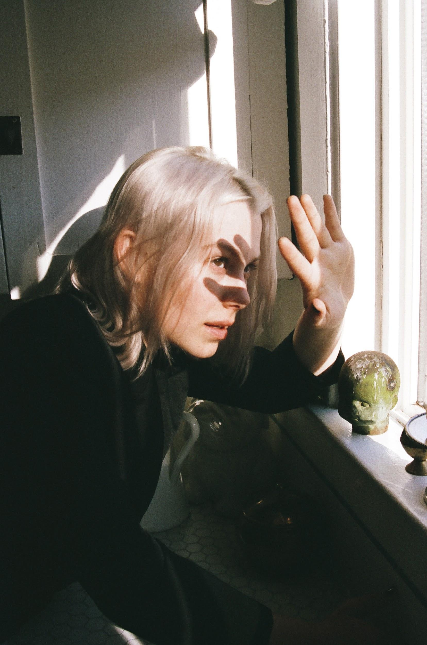 NEWS: Phoebe Bridgers shares haunting cover of McCarthy Trenching's 'Christmas Song' featuring Jackson Browne