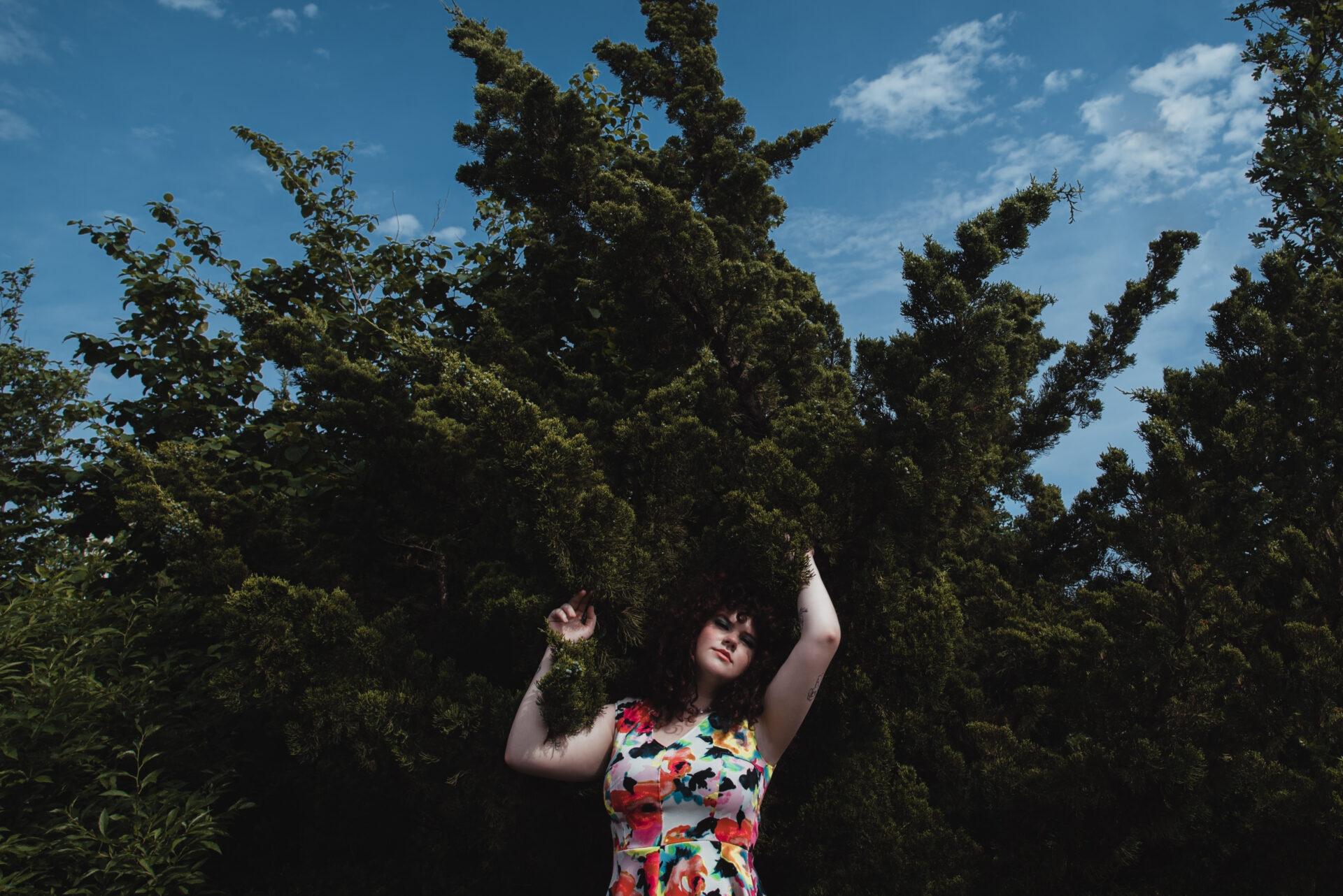 EXCLUSIVE: Bel Holiday Shares 'Devil On Your Shoulder'