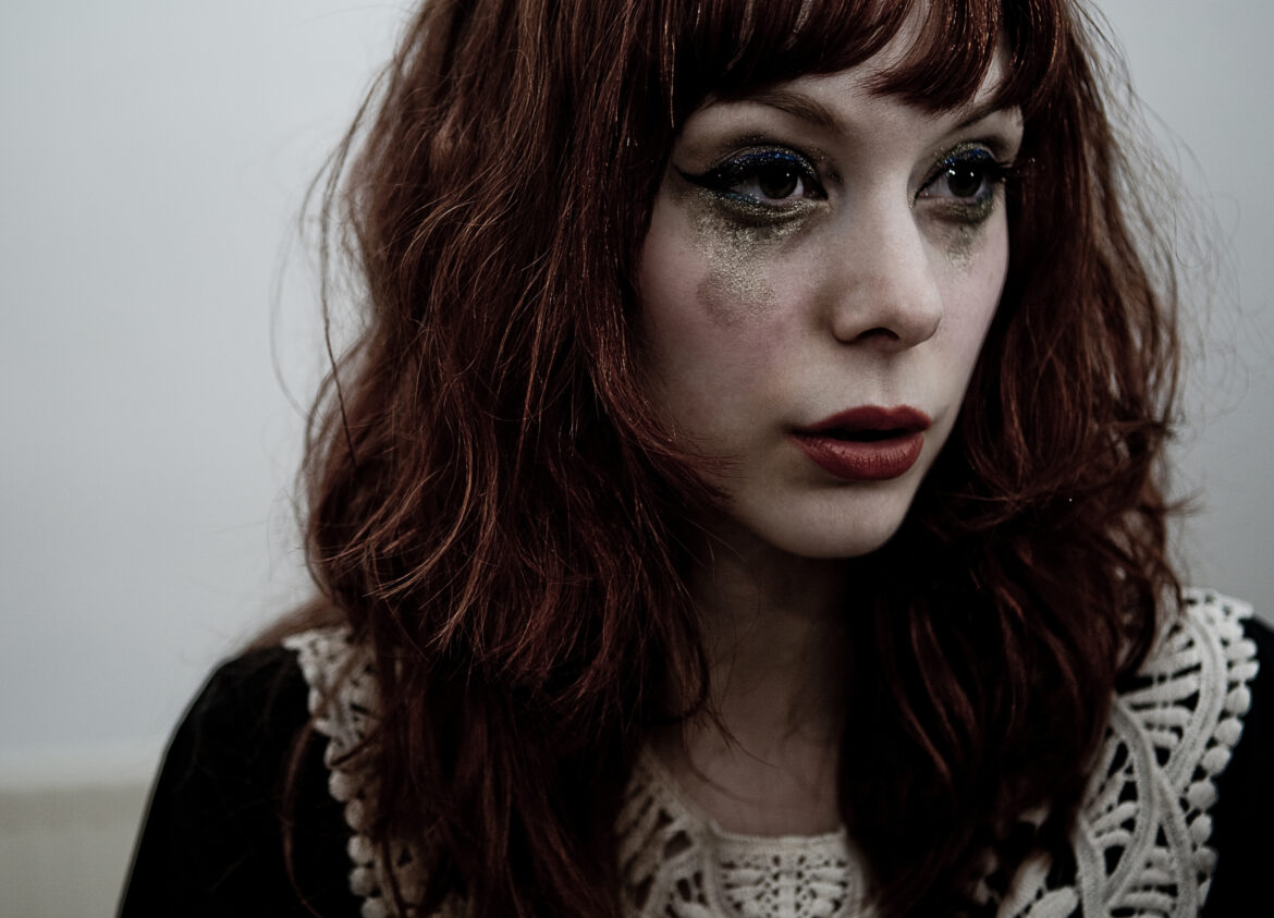 NEWS: The Anchoress shares video for new single 'The Art of Losing'