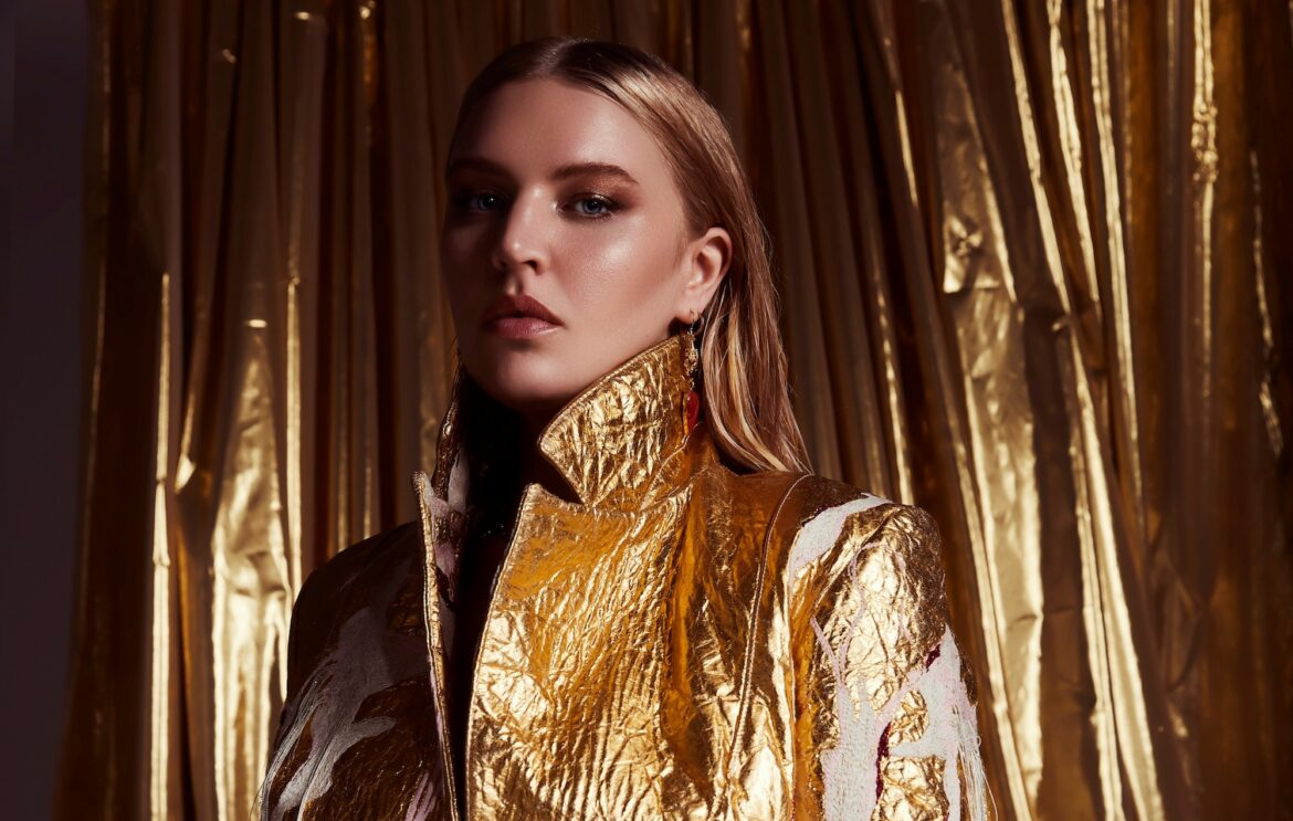 NEWS: Self Esteem returns with uplifting new single and new tour dates