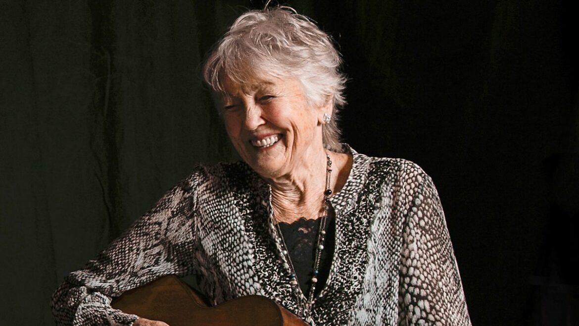 """IN CONVERSATION: Peggy Seeger – """"I have been in rooms where I felt invisible"""""""