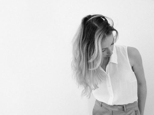 NEWS: Danielle Lewis announces debut album 'Dreaming in Slow Motion'